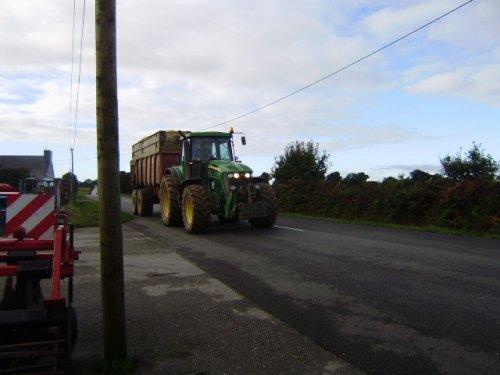 tracteur vue sur la route