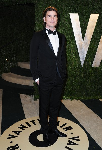 (FLASH BACK)  Josh au Vanity Fair Oscar Party  (le 24 février 2013)
