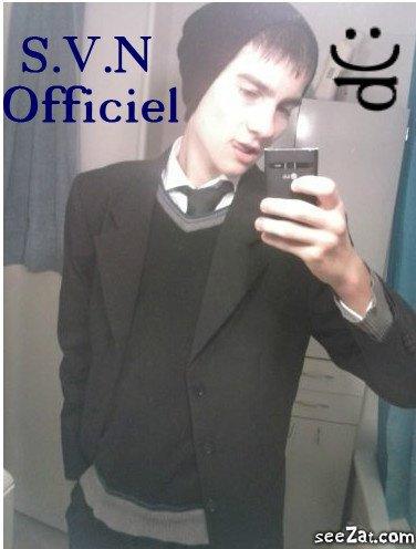 Moi en costume pour aller a l'ecole :)p