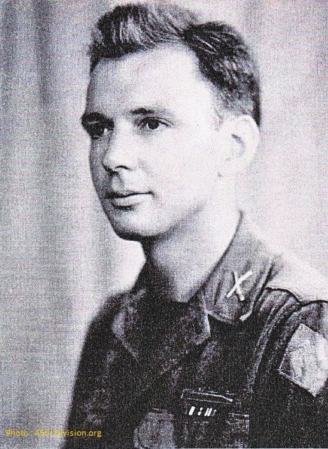 Lieutenant Earl B. Railsback - First lieutnant Earl B. Railsback.