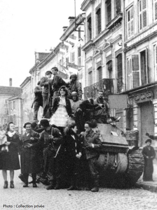 Rambervillers 30 septembre 1944 - The city of Rambervillers on september 30.1944.