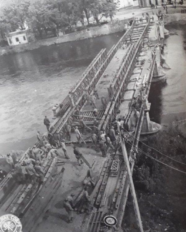 Pont Bailey - Bailey bridge