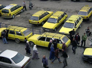 Algérie : Les citoyens confient leur courrier à des taxis pour pallier aux retards d'Algérie Poste