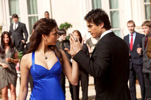 Damon et Elena...