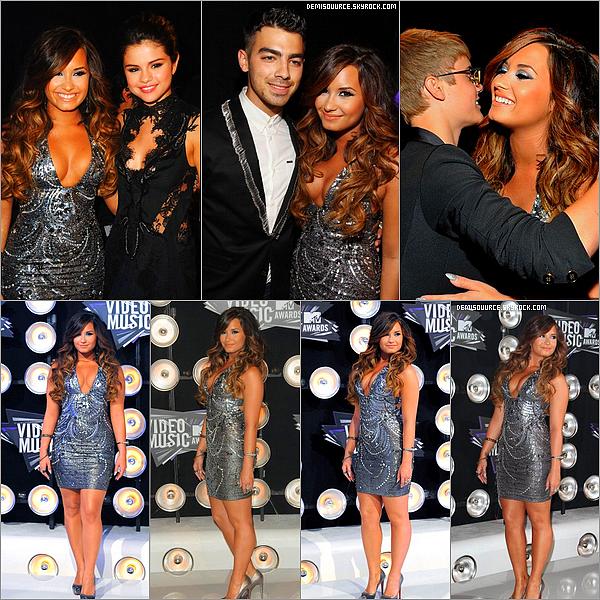 28/08/11 : Demi à assister 28e édition annuelle MTV Video Music Awards au Nokia Theatre LA Live. A Los Angeles, Californie.