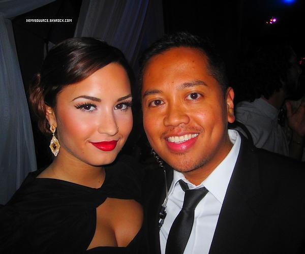 22/10/11 : Une photo seulement est apparue ou Demi était à l'évènement Guys & Dolls party.