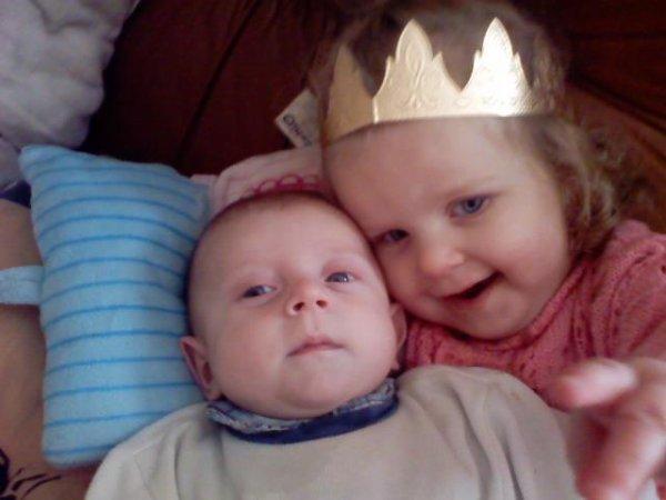 mon neveux et ma nièce <3