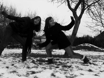 La neige, l'hiver approche ! On aimes la neige, en bataille de boules, en luge etc !