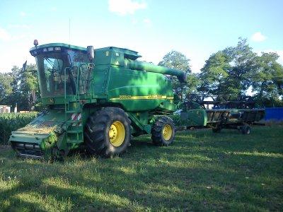 ma machine en céréales jd 9680 wts et coupe 622 r
