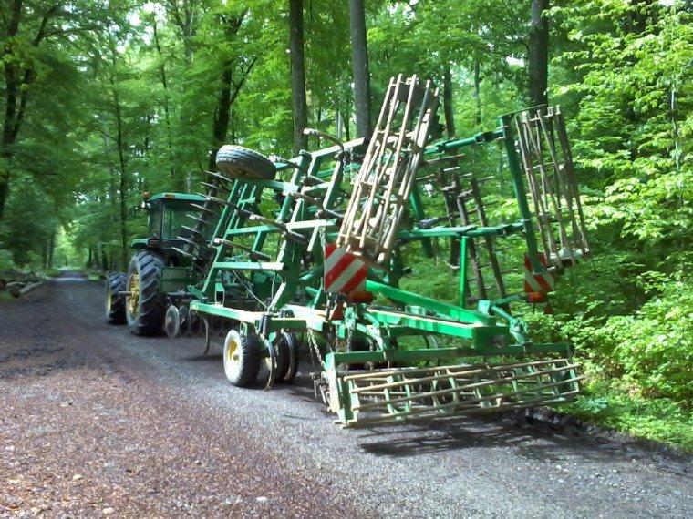 au transport pour heimersdorf à travers la forêt