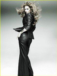 Céline Dion se lâche et pose topless !