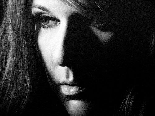 """Céline Dion estime qu'Adele peut """"changer l'industrie musicale"""""""