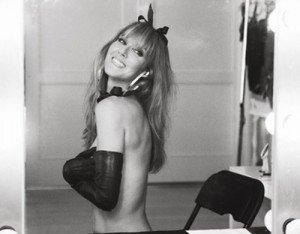 Céline Dion se lâche le temps d'un shooting osé !