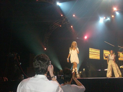 "Céline Dion : seins nus dans ""V Magazine"" !"