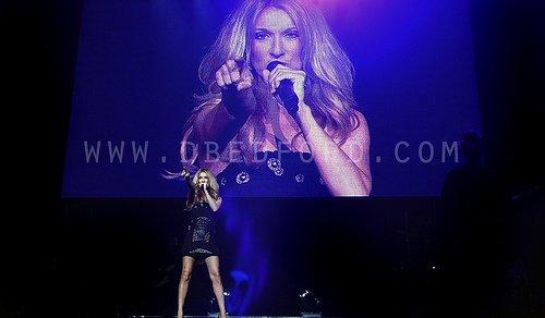 Céline Dion félicite Adele pour son talent… et son physique !