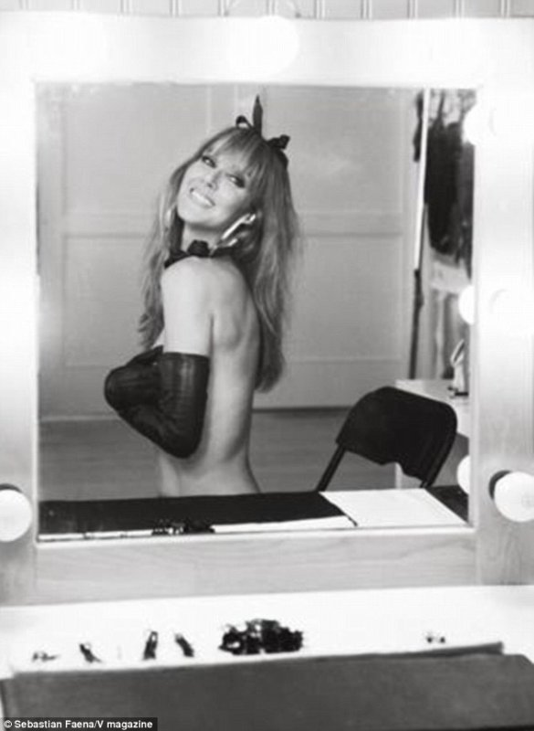 Céline Dion topless dans V magazine