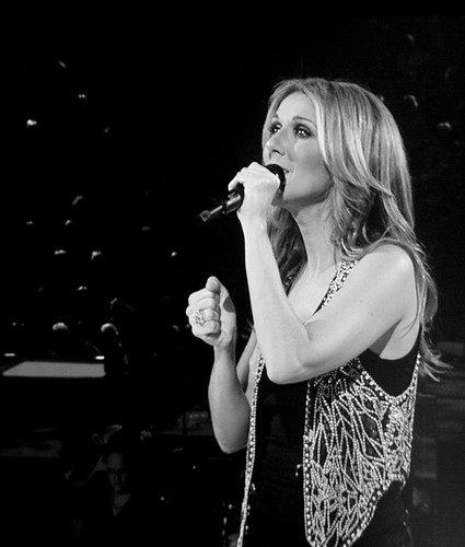 Le clip de Parler à mon père, chanson de Céline Dion (Vidéo).