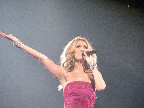 Céline Dion: son nouveau clip Parler à Mon Père, vaporeux et nostalgique