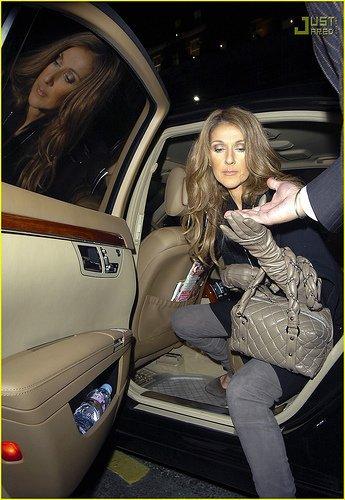"""Visionnez le clip de Céline Dion """"Parler à mon père"""""""