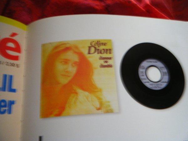 """Céline Dion : deux titres de son nouvel album """"Sans attendre"""" ont fuité"""