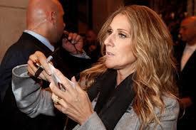 Le Petit Journal : Quand Céline Dion se fait escorter par la police !