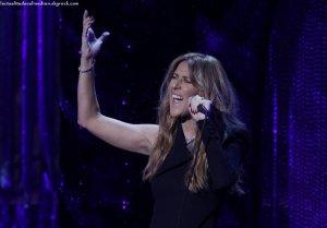 Céline Dion ensorcèle la foule durant le spectacle hommage à Frank Sinatra