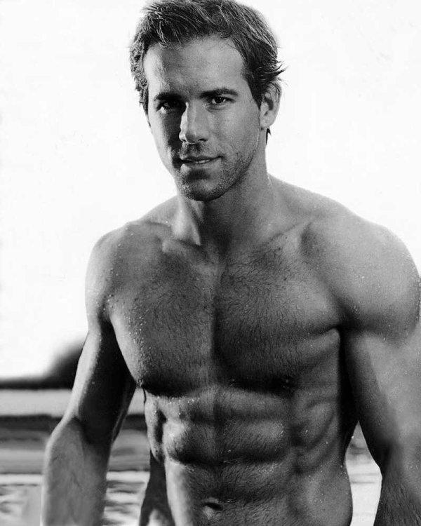 *.+° Ryan Reynolds °+.*