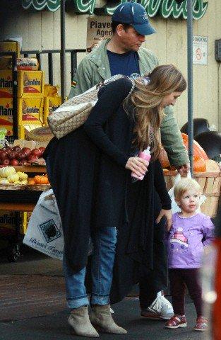 Michael, Bojana and Olivia at the supermarket yesterday - 11/15/13