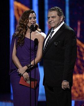 14th Annual Latin GRAMMY Awards 11/21/2013(1)