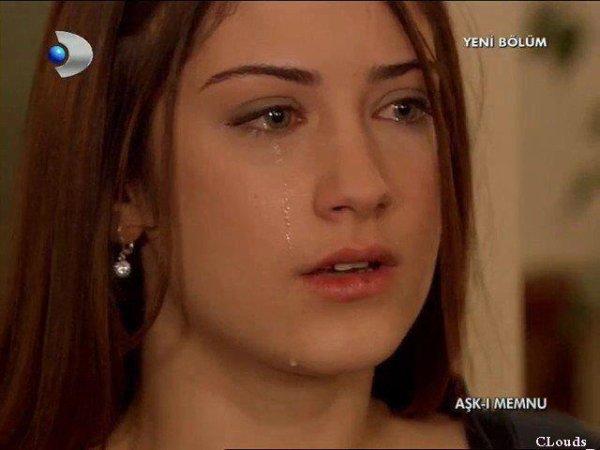 'Quand tu voit la personne que tu aime aller avec une autre ca fait mal &' ça me fais mal au yeux avant le coeur :'(