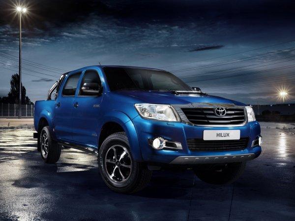 TOYOTA  HILUX  DOUBLE CAB 3.0 D-4D 171 4WD AUTO LEGENDE  4 portes plateau 4x4 3.0 L 171 CV diesel Boîte automatique 5 vitesses
