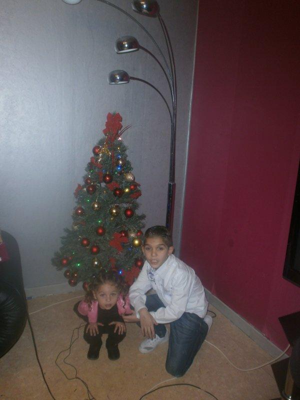 moi et ma tante pour noel et mon oncle maco je laime