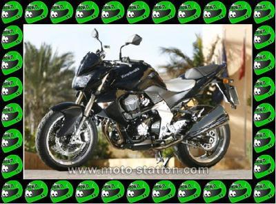 """60 - Moto Kawasaki   """" Z 1000 """""""