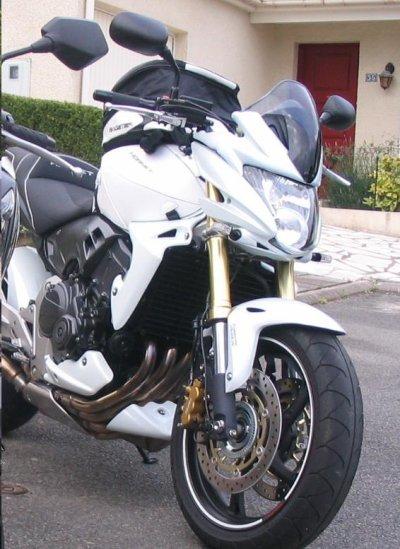 61 - Moto - Honda Hornet 600cm3