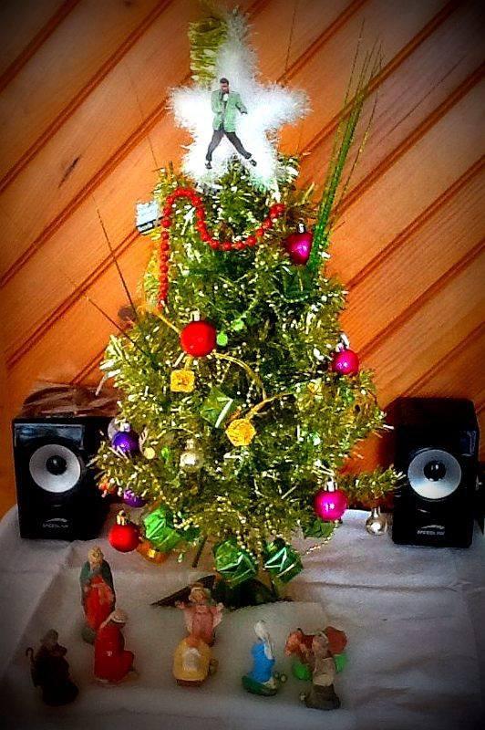 106 - DECO - de Noel mini sapin décoré