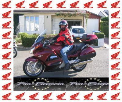 "40 -  Moto Honda  "" Pan Européen ""  1300 cm3"