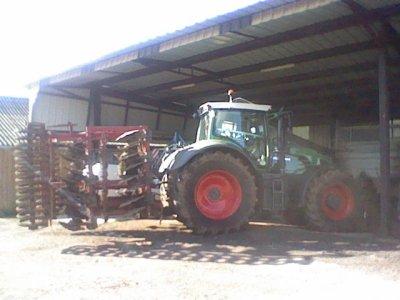 le tracteur de mon cous