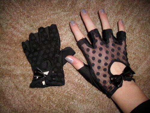 gants dentelles - 10e?