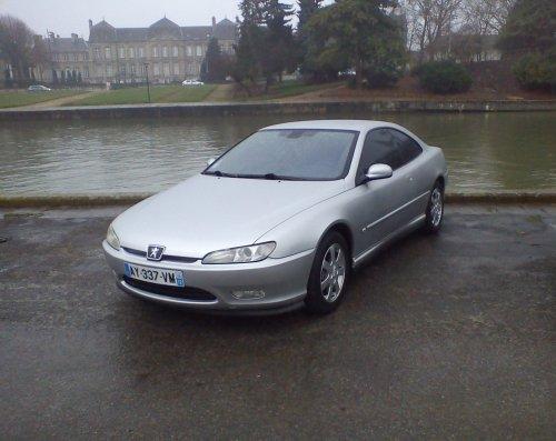 ma voiture tel que je l'ai acheté =)