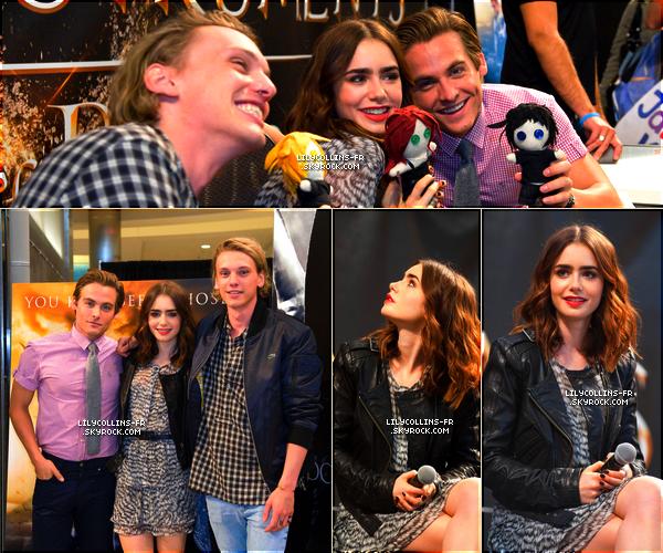 29\07\13 : Voici des photos de Lily lors du Mall Tour America en compagnie de Jamie Campbell et Keven Zegers.Personnellement, je trouve Lily très jolie sur les photos.
