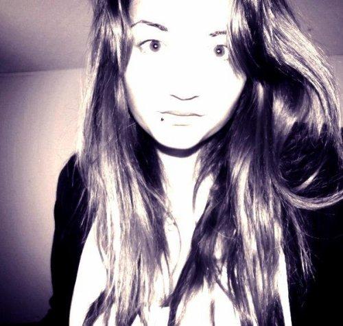Tu veux savoir ce que j'ai compris ? J'ai compris que à tes yeux je n'étais qu'une personne parmi tant d'autres .†