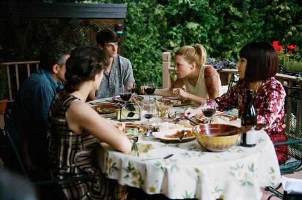 """""""Imprévisible. Et pourtant ce n'est qu'un déjeuné en famille, ce n'est pas la fin du monde."""""""