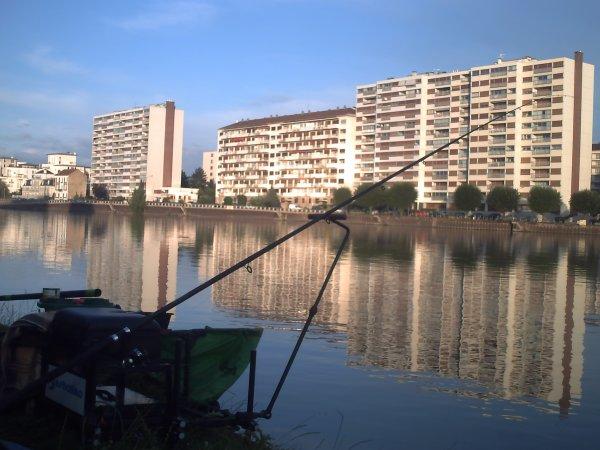 un sale temps et une pêche
