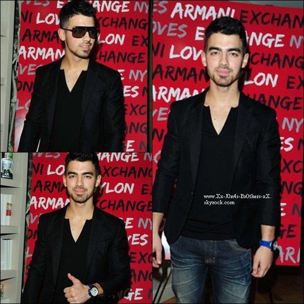Le 09/12/2010 : Joe à la soirée très privé NYLON & Armani. Vous aimez son nouveau style ?