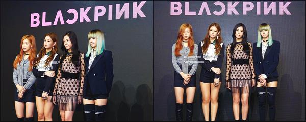----------------  08/08/16  :  Le groupe a donné une   conférence de presse pour le lancement du groupe  dans la journée  -    à  Séoul.   Les filles sont sublime. Je suis hyper fan de la perruque coloré de Lisa. Gros top pour la tenue de Jisoo. Elle fait tellement glamour la robe. ----------------