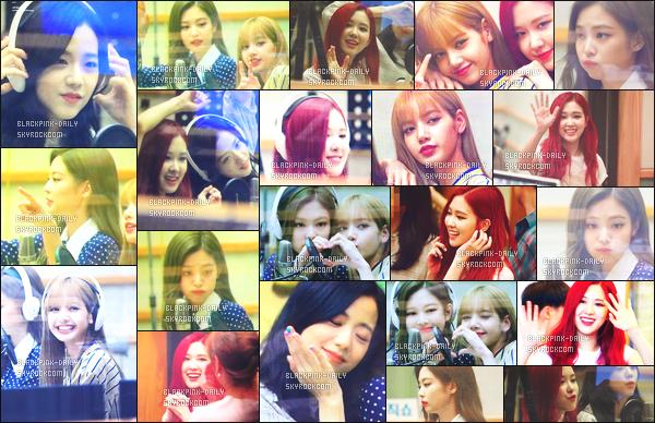 ----------------  18/06/18 :    BlackPink durant l'emission de radio Volume Up  avec la présentatrice Suhyun   dans la journée -    Séoul.   Je trouve que Rosé a des cheveux vraiment magnifique, cette couleur lui va tellement bien. Je trouve Lisa  tres belle dans cette emission.  ----------------