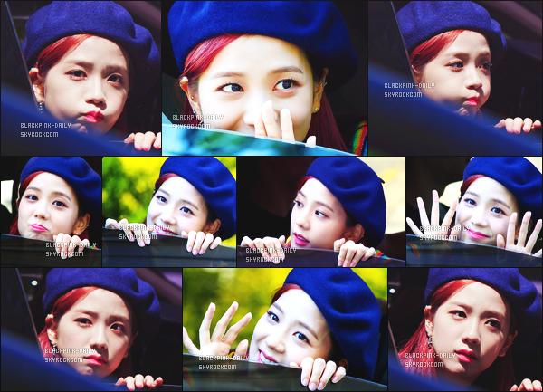 ----------------  11/06/17 :  Mlle Jisoo a été aperçue arrivant/quittant dans sa voiture dans les studios du show   Inkigayo - Séoul.   Elle est tres  adorable, elle est dans sa voiture elle prend du temps à parler avec les fans qui l'on attendu toute la journée. Top son béret. ----------------