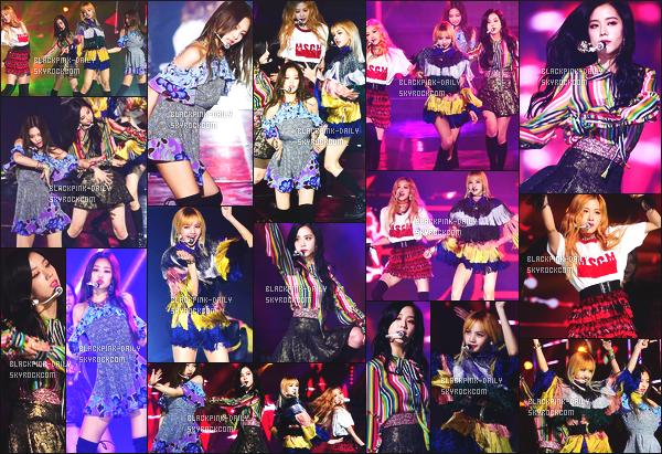 ----------------  22/02/17 :    BlackPink   été   photographiée recevant un prix à la   cérémonie des   Gaon Chart Music Awards - à  Séoul.  Les filles sont  tellement belle  et sublime. Je ne suis pas trop fan de la tenue de Lisa. Mais je suis[ fan  de la tenue de Rosé et de Jennie.  ----------------