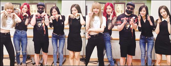 ----------------  28/06/18 :  Nos   BlackPink  à la radio  Jun Music Show   pour la promotion de Square Up  dans la journée -    à Séoul.    Les filles sont assez  belle et   bien habillées. Je suis  fan de la tenue de Jennie.  J'adore tellement aussi la coiffure  trés lisse à Jennie.  Au top.  ----------------