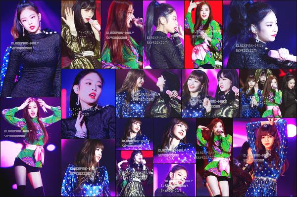 ----------------  10/01/18  :    BlackPink en plein performance pour la grande et celebre cérémonies des  Golden Disc Awards - Séoul.   Les filles ont chantées Playing With Fire et As If It's Your. Elles sont assez au top. Au top pour la tenue de Jisoo. Elle  est  glamour la robe. ----------------